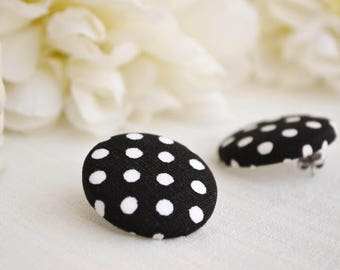 Button earrings - Black and white stud earrings - Polka dotted earrings