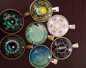 7 design    glass cabochon pendants  destash  clearance #p11