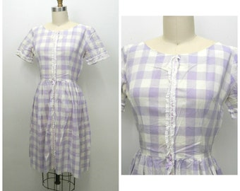 1960s Day Dress...Lavender Purple Gingham Dress..Lace Ribbon Detail...White Purple Checkered...Picnic Dress...Mid Century Mod