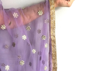 Lavender Net Dupatta with Embroidered Flowers - Indian Wedding Veil, Indian Jewelry, Chunni, Purple Dupatta, Pastel Dupatta, Lavender Scarf