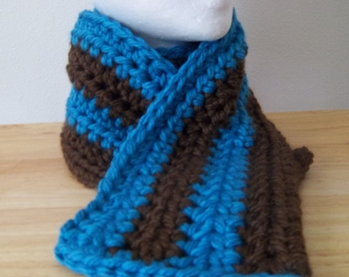 Scarf - Crochet Scarf Made of Bulky Acrylic Yarn in Blue and Brown