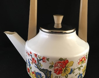 Enamel Tea Kettle Vintage 1970s kitchen kitchen decor Retro kitchen Vintage enamel Cottage Decor Farmhouse Decor