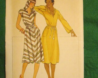 1970's Ladies BUTTERICK Sewing PATTERN Hooded Dress Size 7/8
