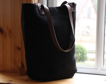Shoulder bag leather and canvas, black, black leather case