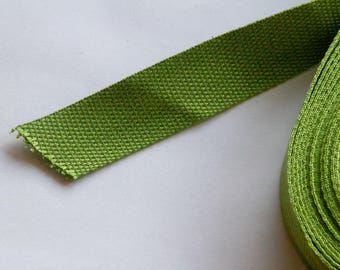 Solid green webbing, cotton/polyester 32mm