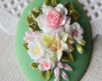4 pcs of hand painted resin flower cabochon with hand painted color -green