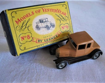 Lesney Yesteryear 1926 Morris Cowley 8  Bullnose Car with Original Box