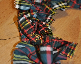 Tartan Heart Wreath, made from Anderson tartan. Scottish Heritage Gift, Scottish Christmas Gift