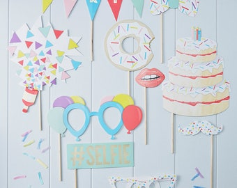 Fun Gold Foil Birthday Photo Props Party Kit (#Selfie, Bow Tie, Lip, Vintage Sunglasses, Cake, Party, Mustache, Donut, Balloon, Confetti)