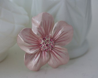Vintage Pink Enamel Brooch, Pink Brooch, Flower Jewelry, Flower Pin, Flower Brooch, Pink Jewelry, Pink Flower Brooch, Large Flower Brooch
