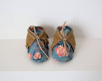 """Fringe leather booties 3-6 months baby organic cotton """"Rose"""""""
