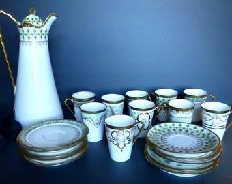 Coronet Limoges 22 Piece Art Deco Chocolate Set in Pastel Green, Pink, Yellow & Blue With Heavy Gilding, Mint - Excellent Condition