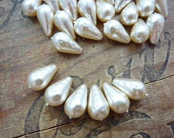 Glass Pearls 18x10mm with Pattern Dark Cream Teardrop Vintage (6)