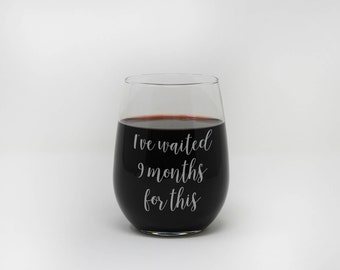 New Mom, Stemless Wine Glass, Mother's Day, Custom Engraved, Personalized Gift, Gift for Mom, Mothers Day, Engraved Glass --27390-SWG1-028