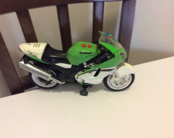 Vintage Toy Model Kawasaki Ninja Road Rippers Motorcycle, Green and White Toy Motorcycle, Collectible Toy Model