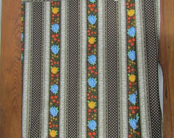 3 yards vintage knit border print fabric