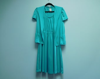 Vintage 1980's Mint Green Two-Piece Dress Size 12 by Queens Row 100% Polyester