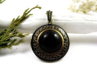 Solid Perfume Locket. Midnight Filigree Locket Necklace. Natural Gemstone Pendant. Onyx & Antique Brass. Solid Perfume Jewelry.