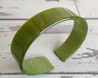 Vintage Bracelet - Plastic or Lucite - Cuff Pear Green