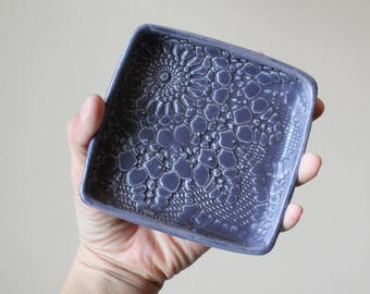Garlic and Oil Plate - Garlic or Ginger Grater - Lace - Purple Navy