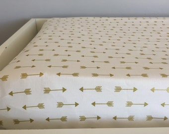 Gold arrows changing pad cover | Contoured changing pad cover | White and gold arrows