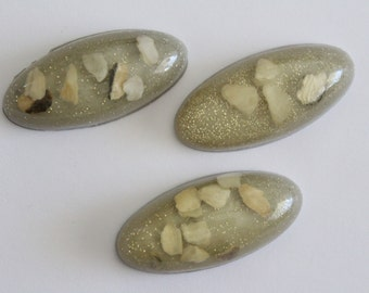 ONLY LOT - Vintage beige grey glitter long oval cabochons . 46x21mm (3)