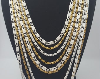 Vintage bib necklace white and gold s chain