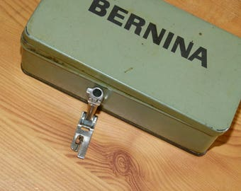 Presser foot Bernina puller used 4mm