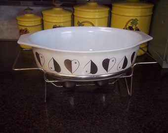 Promotional Pyrex 045 Gold Hearts Casserole - 2 1/2 quart Pyrex Oval casserole - with two-candle burner!