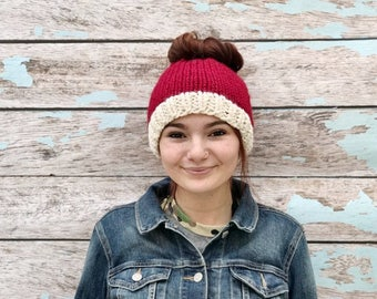Santa Messy Bun Hat, Christmas Messy Bun Hat, Messy Bun Beanie, Knit Ponytail Hat, Chunky Messy Bun Hat, Ponytail Beanie, Knit Ponytail Hat