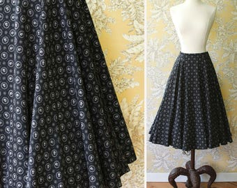 vintage 1950s skirt <> 1950s circle skirt <> 50s cotton print skirt <> 1950s L'Aiglon skirt