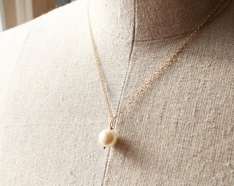 Pearl Necklace, Bridesmaid Necklace, Wedding Jewelry, Petite Jewelry