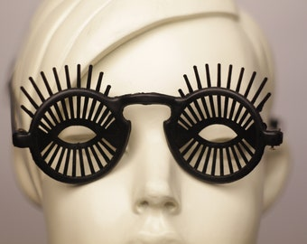 Vintage 1960s Twiggy Eyelashes Sunglasses Glasses MOD Surreal Bizarre