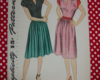 Vintage Pattern c.1945 Simplicity No. 1356 Dress Size 16