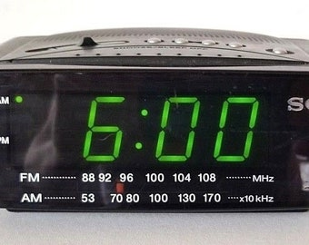 Vintage Rare SONY Dream Machine ICF-C212 Alarm Clock Radio AmFm Green Led EUC