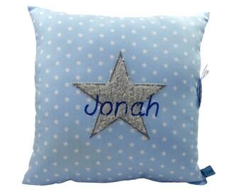 Individualisiertes Namenskissen mit Stern in hellblau für Jungen ein tolles Geschenk zur Taufe oder Geburt