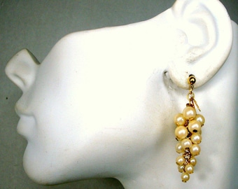 Pearl Grape Earrings, Beautiful Pearl Dangle Post w Bunches of White Perlized Grapes, Grape Clusters, Bridal, Unused Lovely, 1980s
