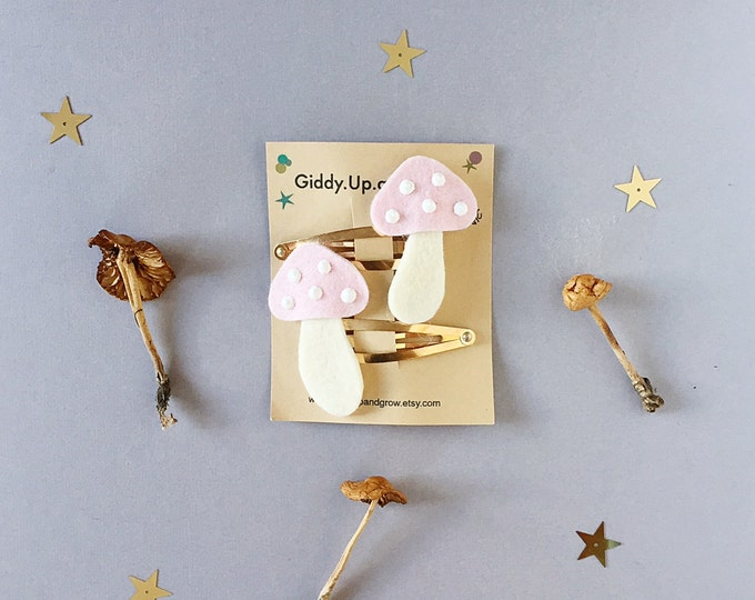 Toadstool Hair Clips, St. Patrick's Day, giddyupandgrow