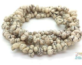 20 chips stones (ph239) ethnic boho jewelry white Howlite beads