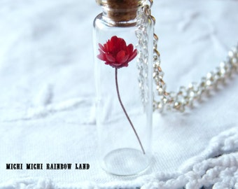 SALE! Spring Red or White Flower Necklace - Black gift box included
