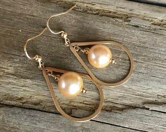 Gold Pearl Earrings / Golden Pearls 14kt Gold Filled Earrings / Gold Hoop Earrings