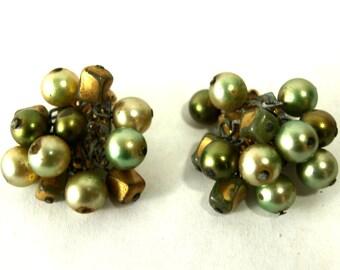 Vintage Earrings Green Cluster Clip Ons