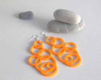 Orecchini cerchi arancio - orecchini a cerchio arancioni - orecchini in plexiglass arancio