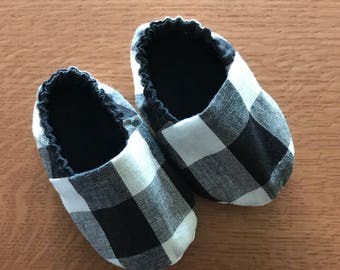 0-6 Month Baby Shoes/Black and White Baby Shoes/Buffalo Plaid/Soft Soled Baby Girl Shoes