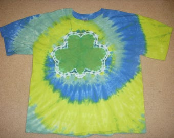 SALE - XL tie dye tshirt green shamrock, extra large
