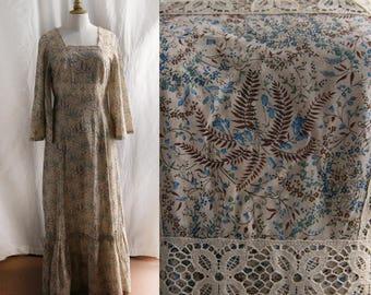 Vintage 1970's Boho Maxi dress, long sleeves,floral pattern paisley