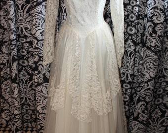 1950's Wedding Gown  Item #197-WG