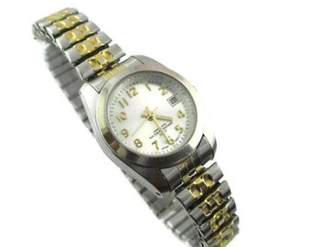 Vintage Two Tone Time and Date Japan Movement Stainless Steel Expansion Bracelet 100ft Water Resistant Quartz Watch