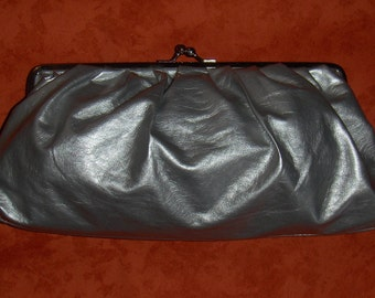 Vintage BIANCO GEAR silver faux leather evening clutch / Retro evening envelope clutch