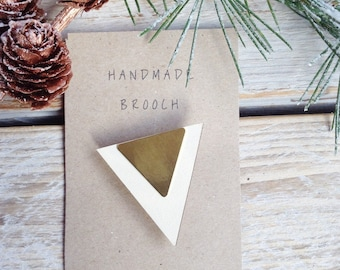 Triangle brooch/geometric brooch/triangle jewellery/geometric jewellery/wooden jewellery/brass/gift for her/stocking filler/bridesmaid gift/